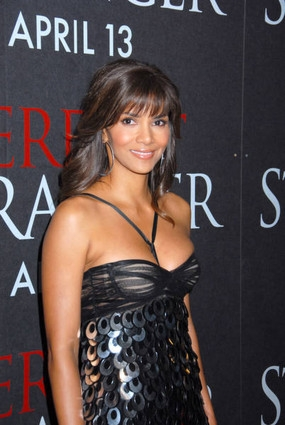 HALLE BERRY GIVES BIRTH TO A BABY GIRL | MAD NEWS UK