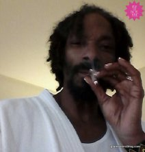 Snoop Lion rocking a french manicure