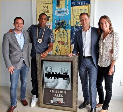 jay-z-magna-carta-holy-grail-plaque